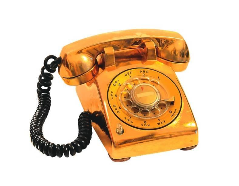 Telefone folheado a ouro que ficava no quarto do cantor: raridade