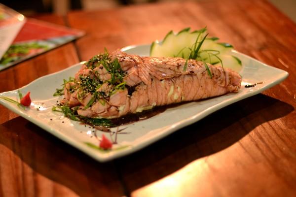 Temaki de meio quilo da Towerconi Temakeria: é preciso apetite para comer tudo isso sozinho! (Foto: Divulgação)