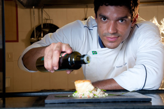 Castanho, que foi eleito chef do ano aos 23 anos pelo Comer&Beber Belém 2011, prepara-se para lançar o primeiro livro