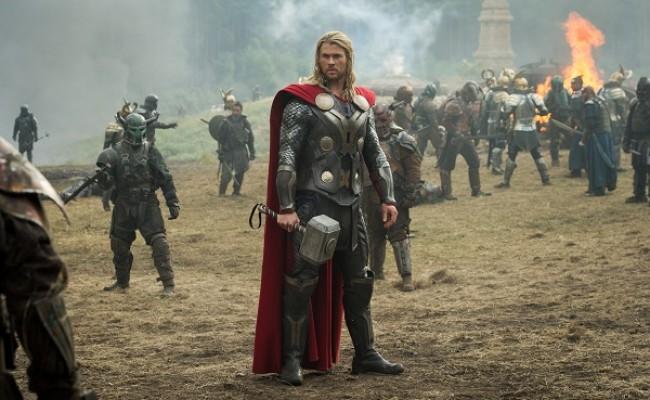 Thor - O Mundo Sombrio, com Chris Hemsworth. já estreou no Brasil
