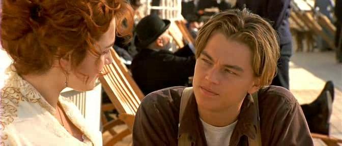 Di Caprio com Kate Winslet, em Titanic (1997): o sucesso bateu à porta