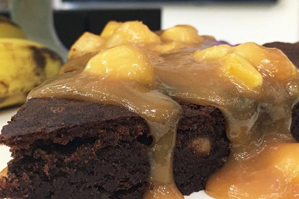 torta_de_chocolate_com_caramelo_de_banana