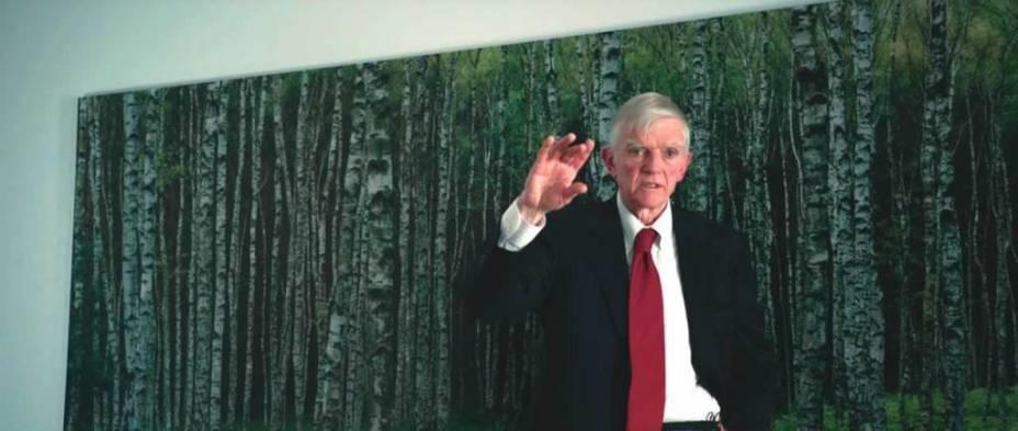 O analista econômico Charles R. Morris: um dos entrevistados do documentário 'Trabalho Interno'
