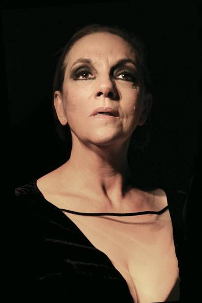 Denise Del Vecchio está no elenco do espetáculo Trágica.3