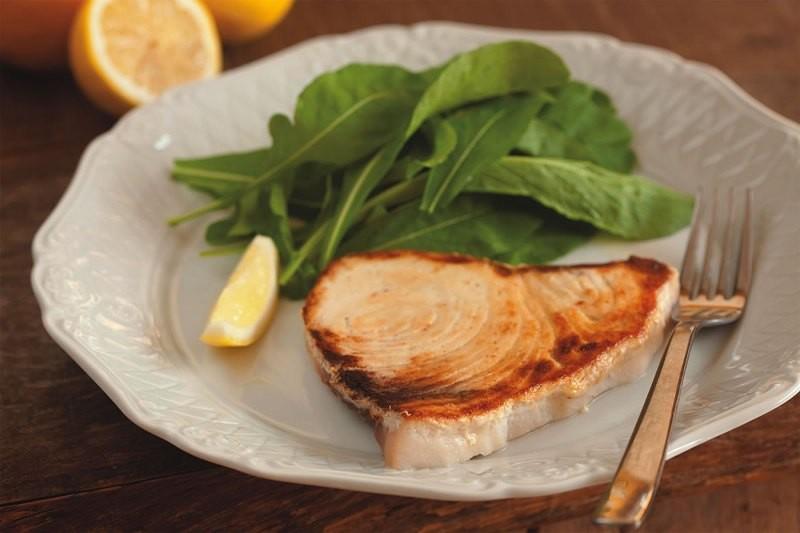 Na Trattoria Rosticceria Picchi: o peixe-espada grelhado é o prato principal do menu completo de jantar