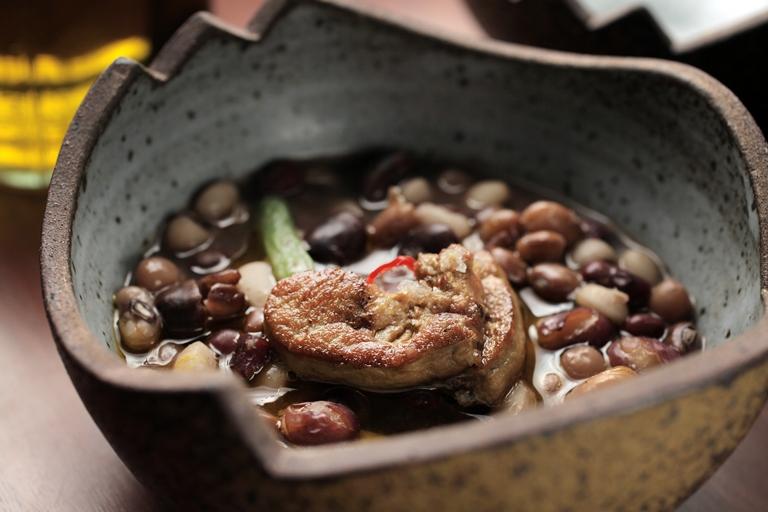 Feijões e favas com foie gras: pesquisa de ingredientes de Ivan Ralston Bielawski (Foto: Fernando Moraes)