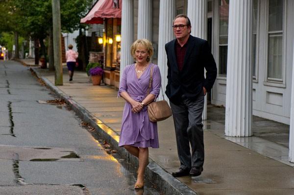 Meryl Streep e Tommy Lee Jones em Um Divã para Dois: comédia dramática sobre casamento