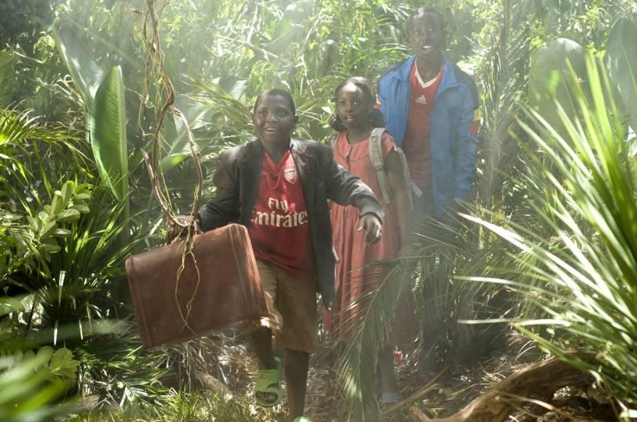 Um grupo de jovens sai de Ruanda e parte para Johannesburgo em busca de um sonho: Uma Incrível Aventura