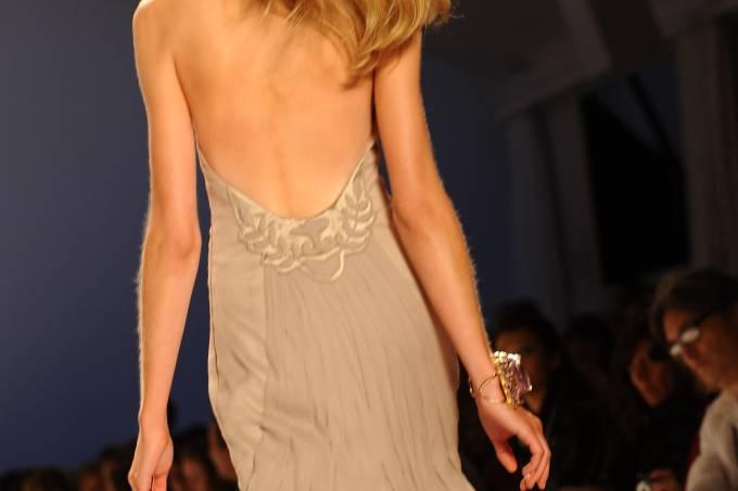 vestido-com-decote_luciana-prezia