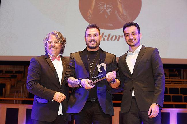 Robson Trindade (cabeleireiro), Viktor I (ganhador da categoria Melhor Cabeleireiro) e Emerson Santos (Hairstylist e artista Wella Professionals)