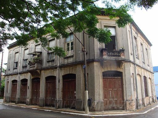 Vila foi contruída para abrigar trabalhadores de fábricas