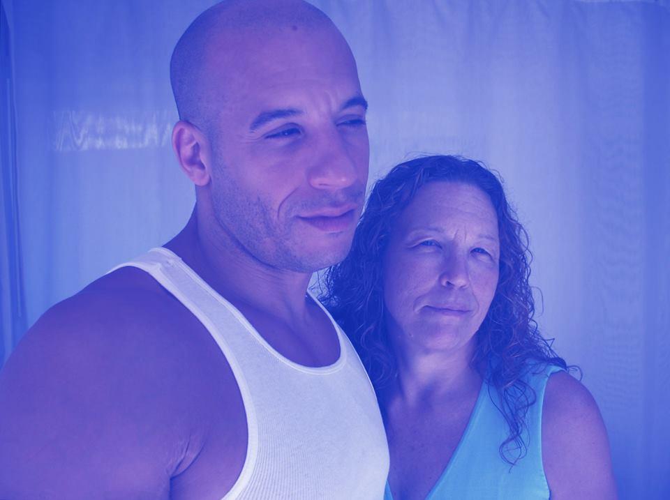 Uma paradinha nas filmagens de Velozes & Furiosos 7 para Vin Diesel abraçar a mãe