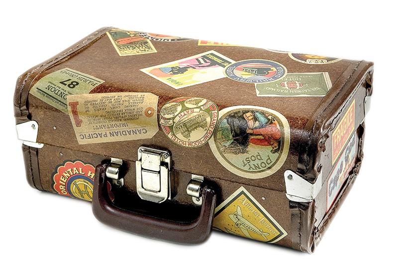 Vintage World, no Tatuapé: especializada em móveis e objetos antigos