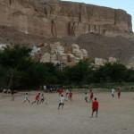 Time em campo em Wadi Doan, no Iêmen (Crédito: Caio Vilela)