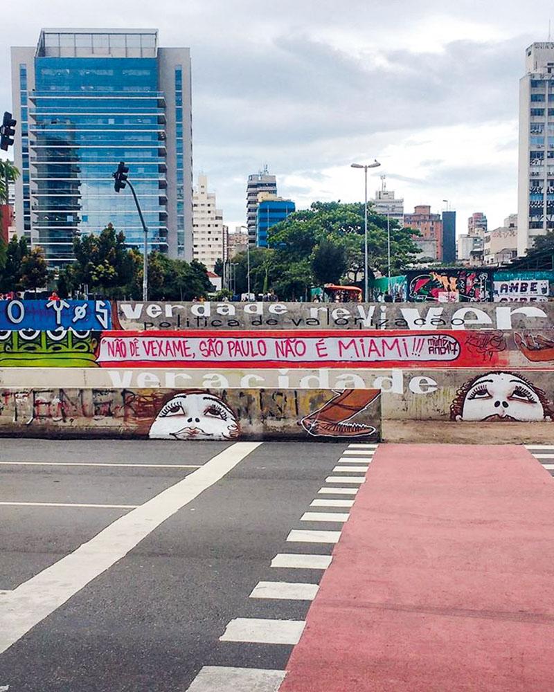 Largo da Batata: ordem da prefeitura para limpar tudo (Foto: Reprodução/Facebook)