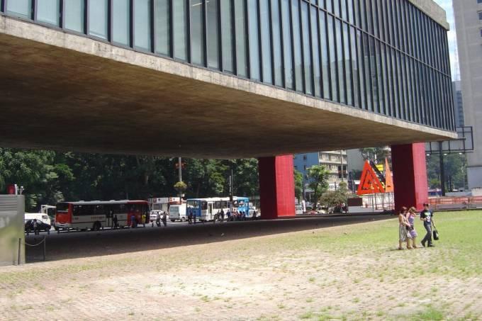 vao-livre-do-masp-museu-de-arte-de-sao-paulo-sergio-tauhata.jpeg