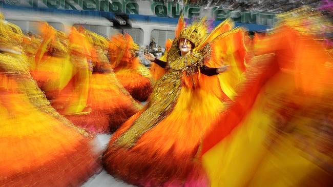 Desfile Rosas de Ouro 2013