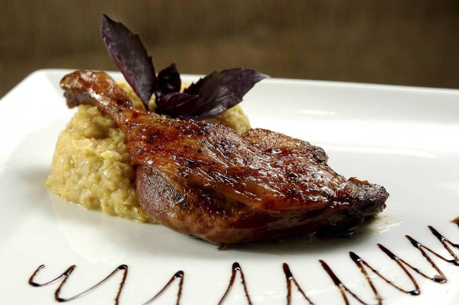 Pato com Laranja, do restaurante Bistrô Charlô