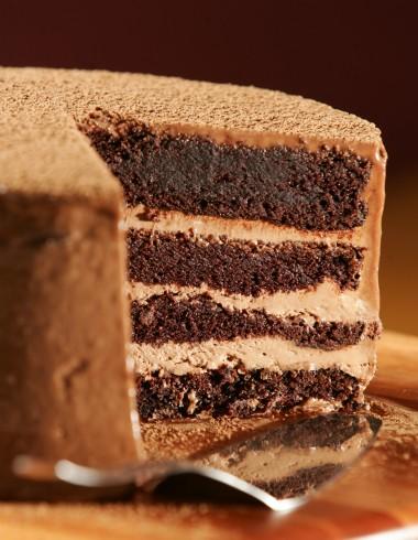 Bolo malte: massa de cacau e é recheado de chocolate meio amargo