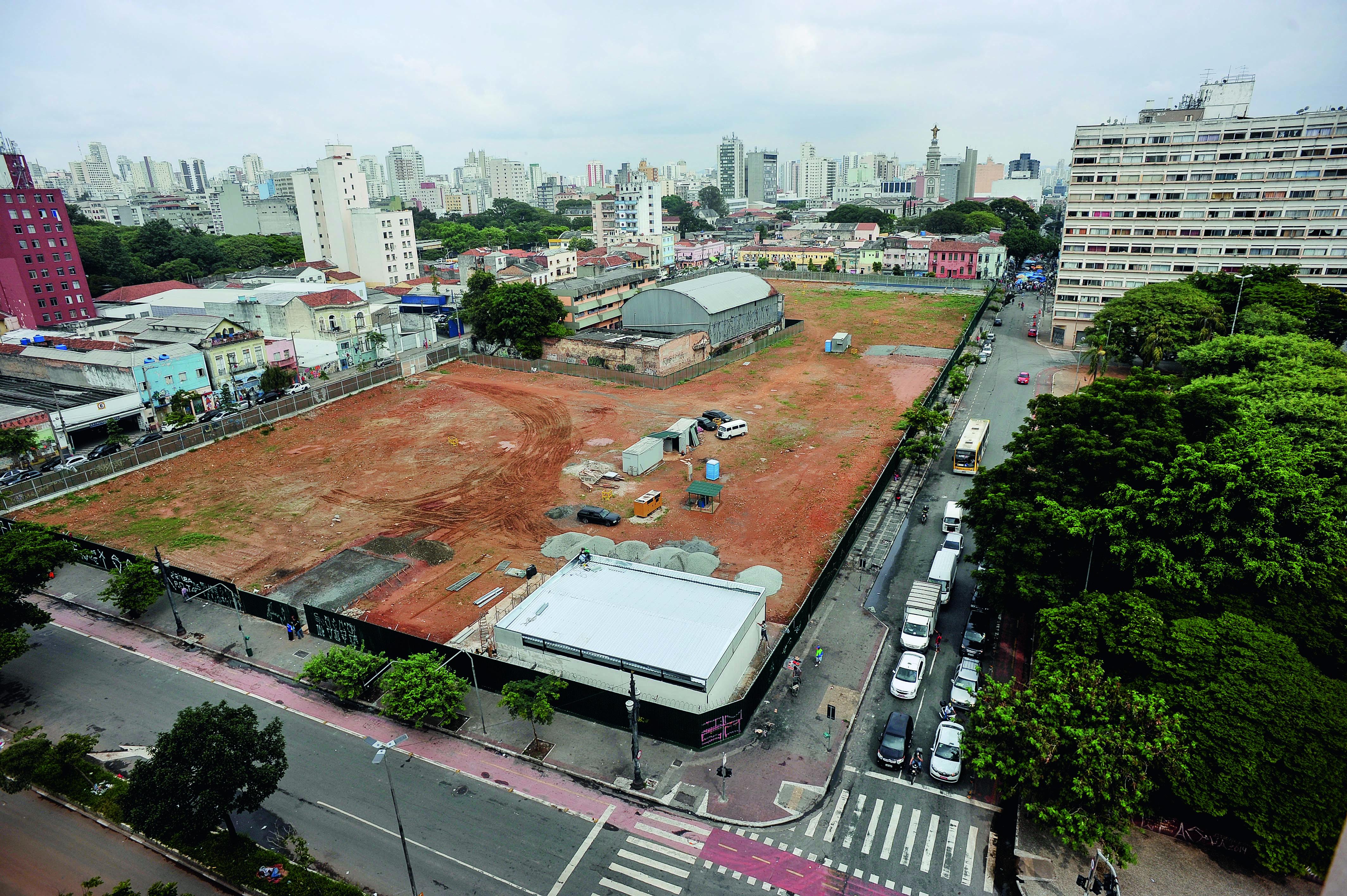 A situação atual do terreno da antiga rodoviária, na vizinhança da Cracolândia: as obras devem começar nesta segunda, 23 (Foto: Reinaldo Canato)