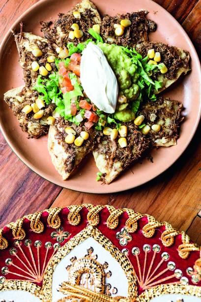 Guacamole: tortilhas cobertas de carne-seca