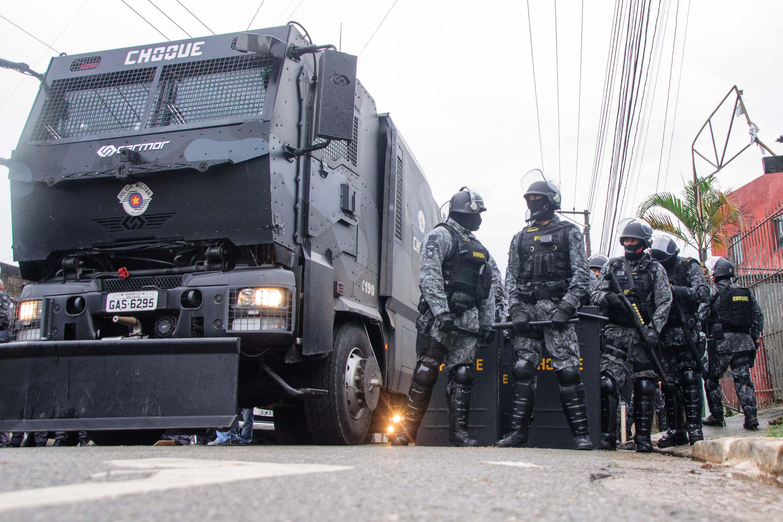 Tropa de Choque foi acionada para conter integrantes de ocupação na Zona Leste