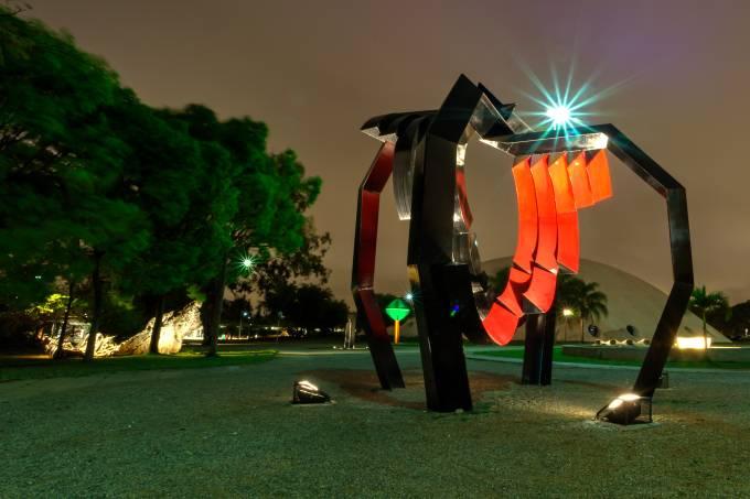 Museu de Arte Moderna (MAM): jardim das esculturas