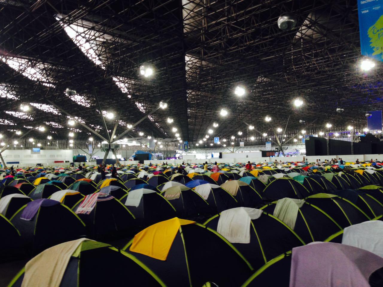 Acampamento: 1,1 mil pessoas