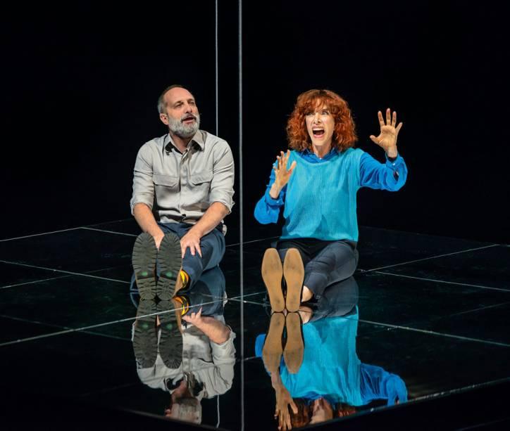 Mastropasqua e Marília Gabriela em Constelações: comédia romântica inglesa