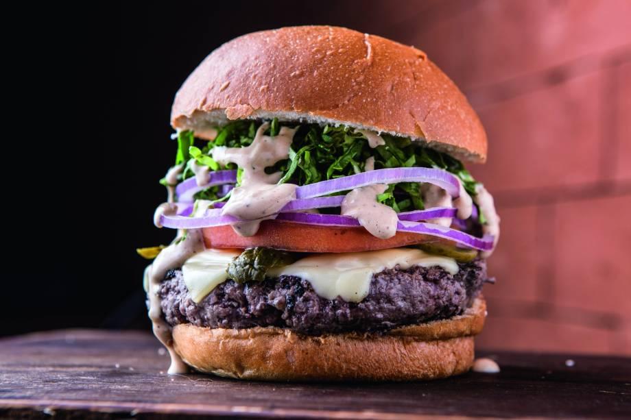 O hambúrguer com o nome da casa