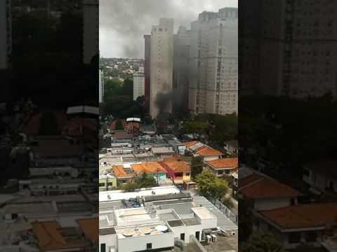 Loja do P.J. Clarke's teve princípio de incêndio nesta sexta (24)