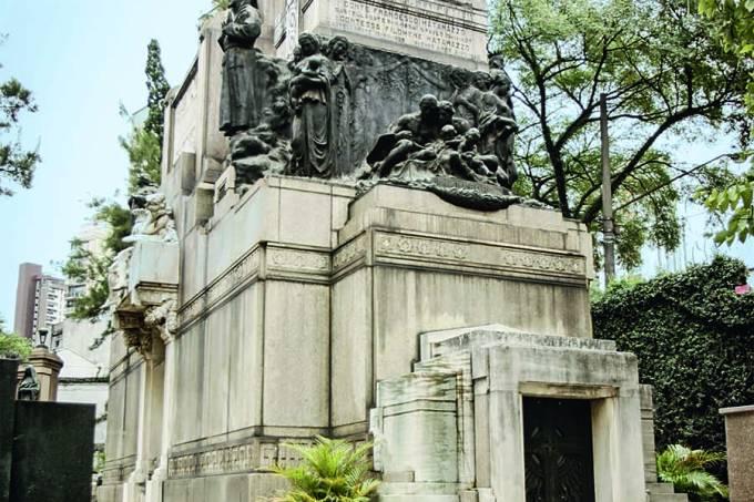 Mausoléu da familia Matarazzo, no Cemitério da Consolação._Huedes Régis