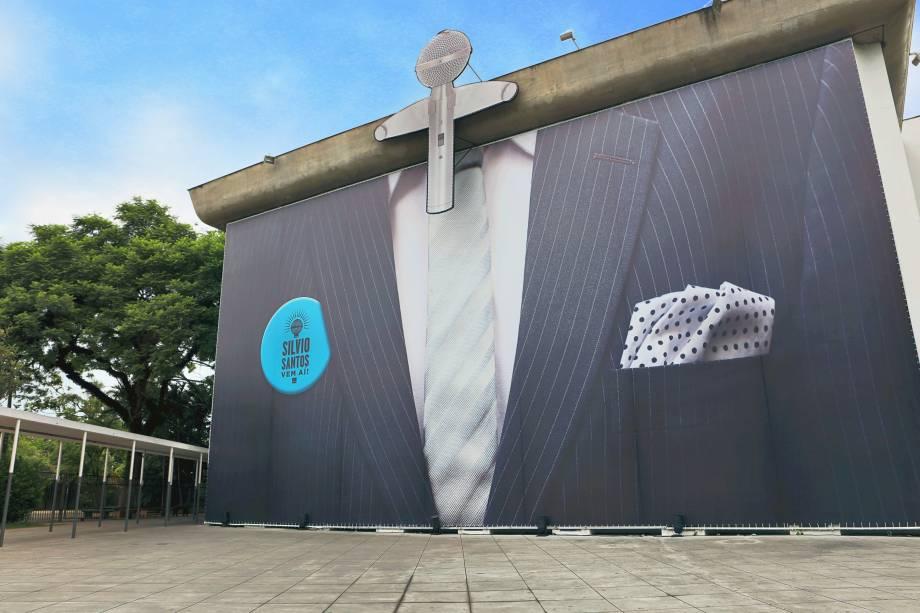 Museu da Imagem e do Som - MIS: fachada exposição Silvio Santos