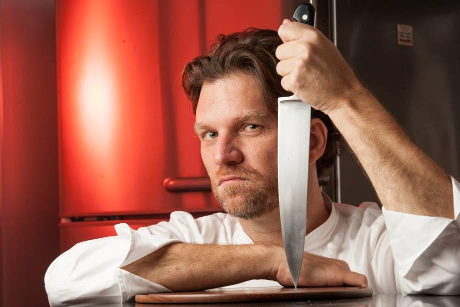 Carlos Bertolazzi, do Zena Caffè: ensina a fazer receita de nhoque ao molho de tomate, manjericão e fonduta de queijo stracchino