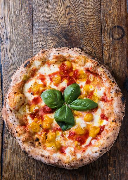 Due Pomodori (R$ 35,00), do Eataly Rossopomodoro: molho de tomates-cerejas vermelho e amarelo, mussarela de búfala, parmesão, manjericão e azeite extravirgem