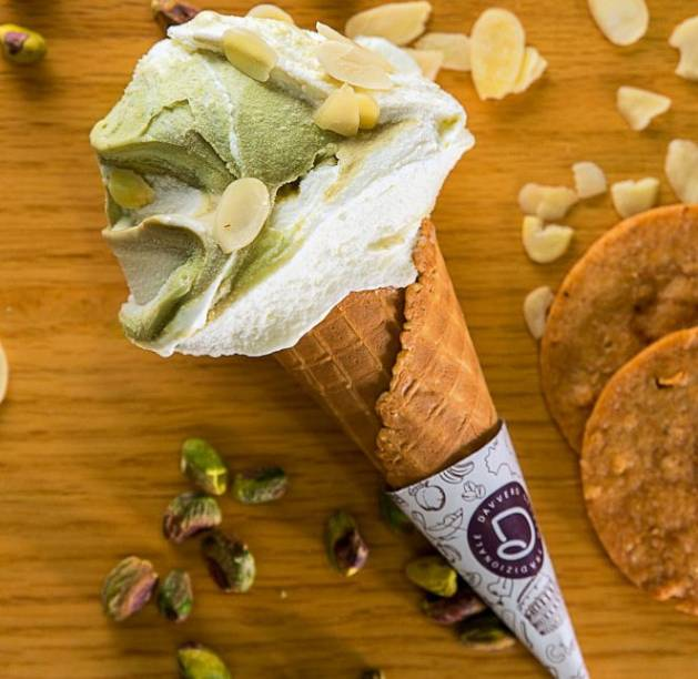 Sabor exclusivo (R$ 15,00 até 2 sabores), da Davvero Gelato Tradizionale: amêndoa com creme de pistache