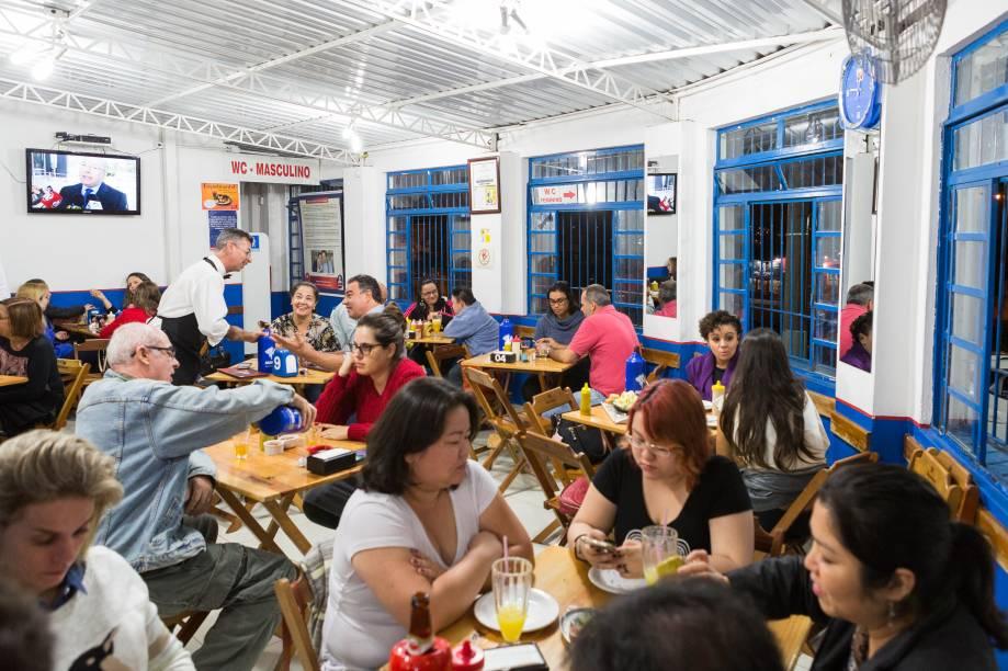 Bar do Soares: ambiente do boteco campeão