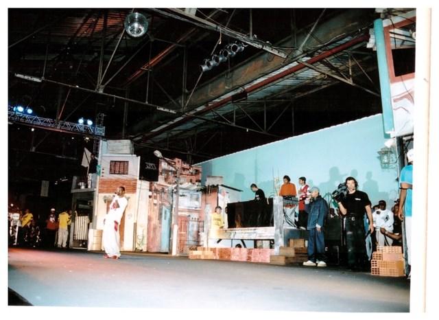 Racionais durante apresentação nos anos90