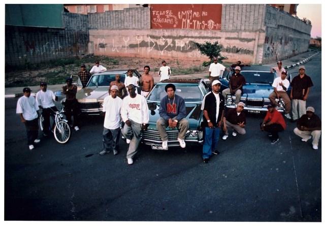 Racionais, em 2001, para a divulgação do álbum Racionais Ao Vivo