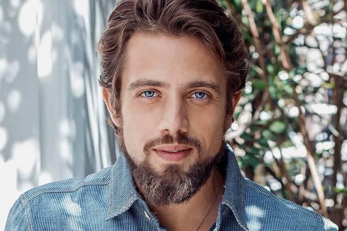 O ator Rafael Cardoso