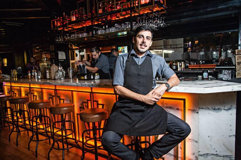 O bartender: Matheus Cunha