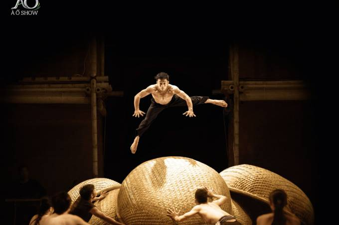 Os vietnamitas do Nouveau Cirque du Vietnam
