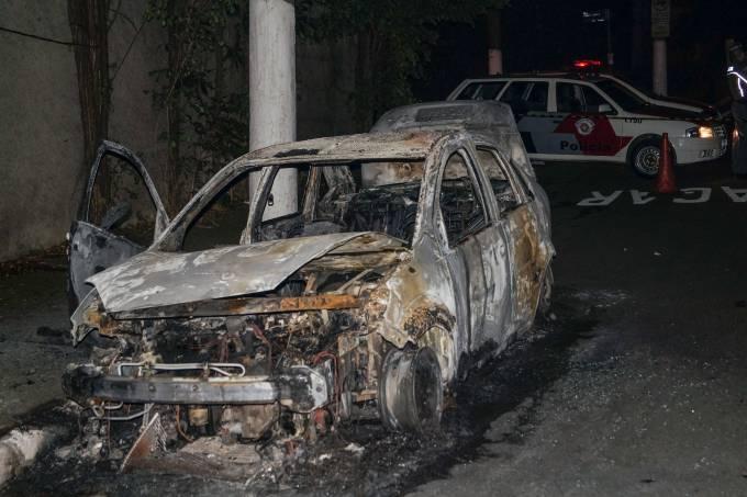 Veículo é incendiado no Morumbi