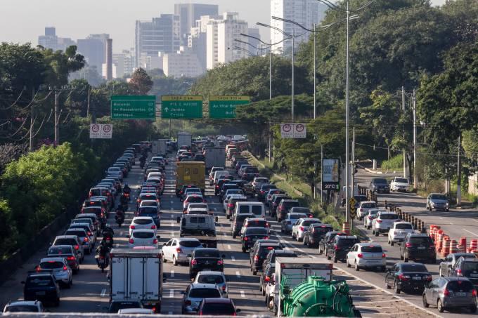 Trânsito na Marginal Pinheiros, em São Paulo