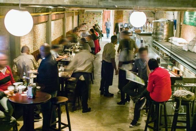 Interior da Cervejaria Nacional, em Pinheiros.