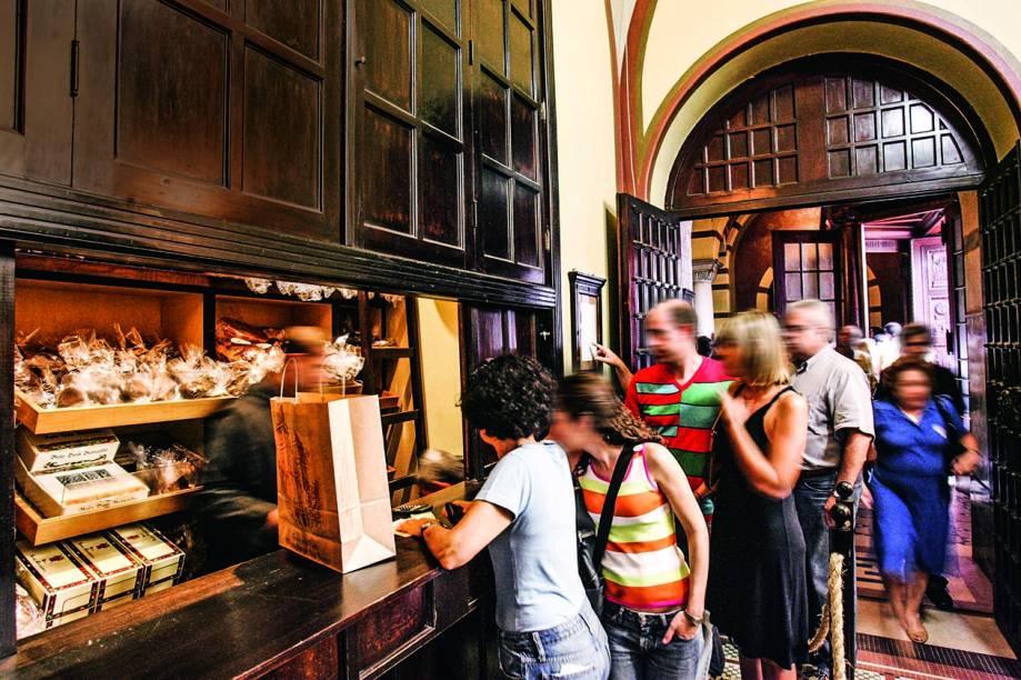 Padaria do Mosteiro de São Bento: pães e doces feitos por religiosos