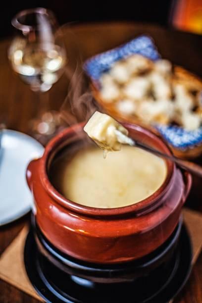 Cubo de pão no queijo: pedida do Bierquelle
