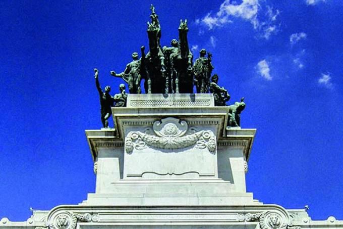 Monumento à Independência, de Ettore Ximenez, também conhecido como Altar da Pát.jpg