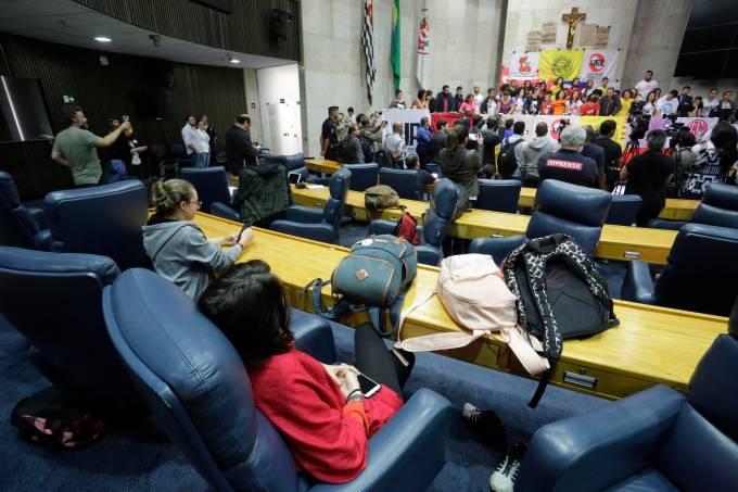 Estudantes ocupam Câmara Municipal de São Paulo