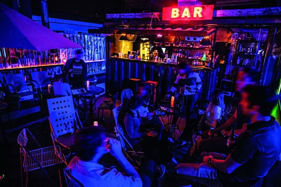 Cadillac Bar: varanda